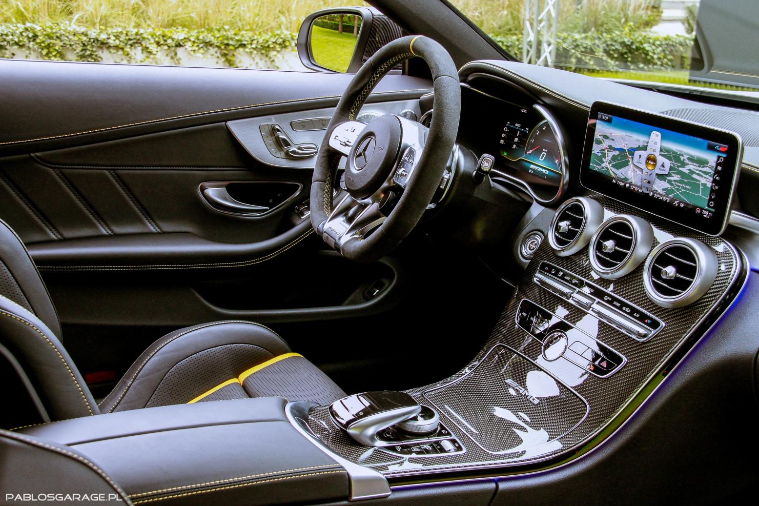 2019 Mercedes AMG C63 S wnętrze