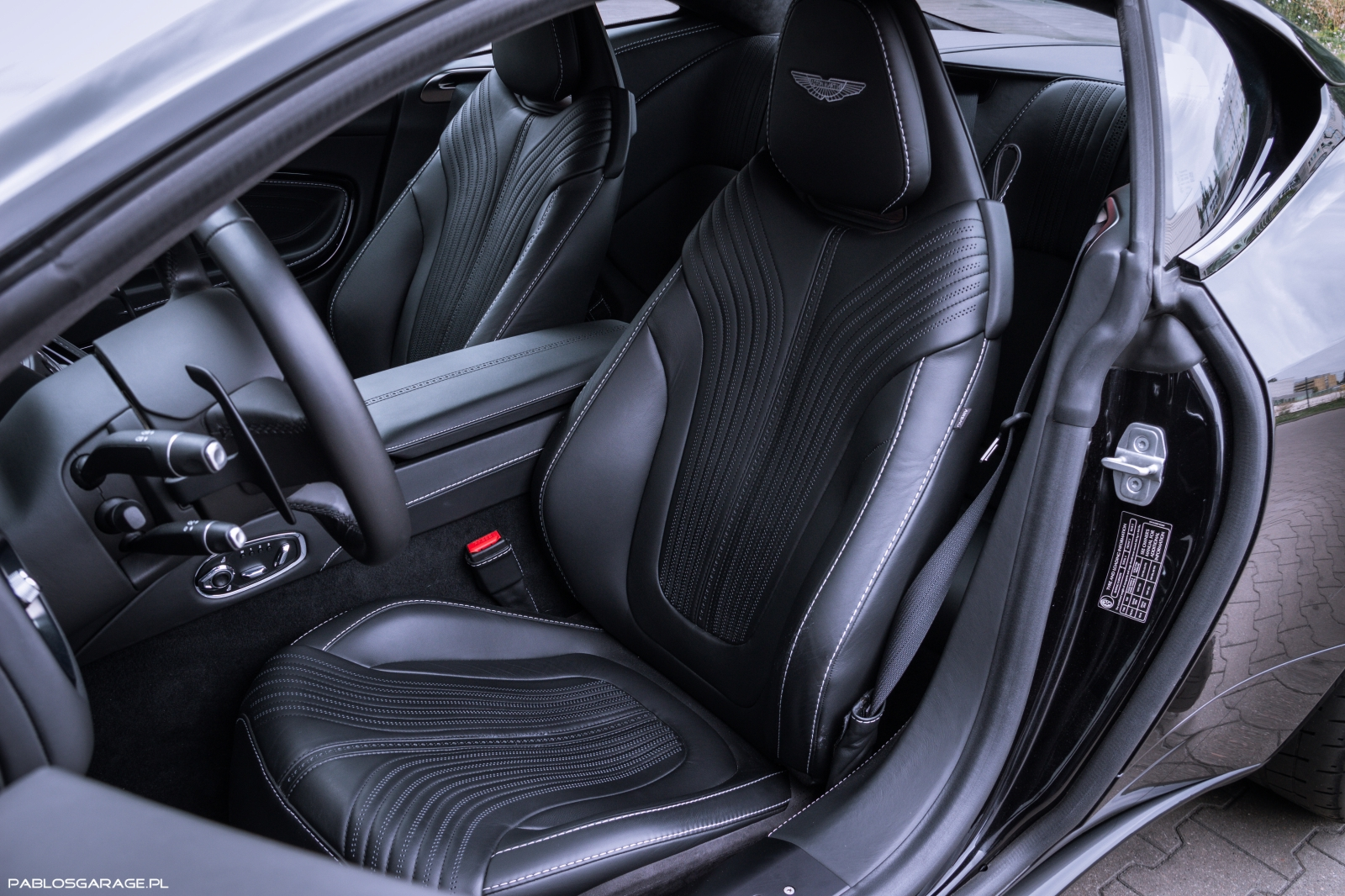 Aston Martin DB11 5.2 Twin Turbo V12 608 KM