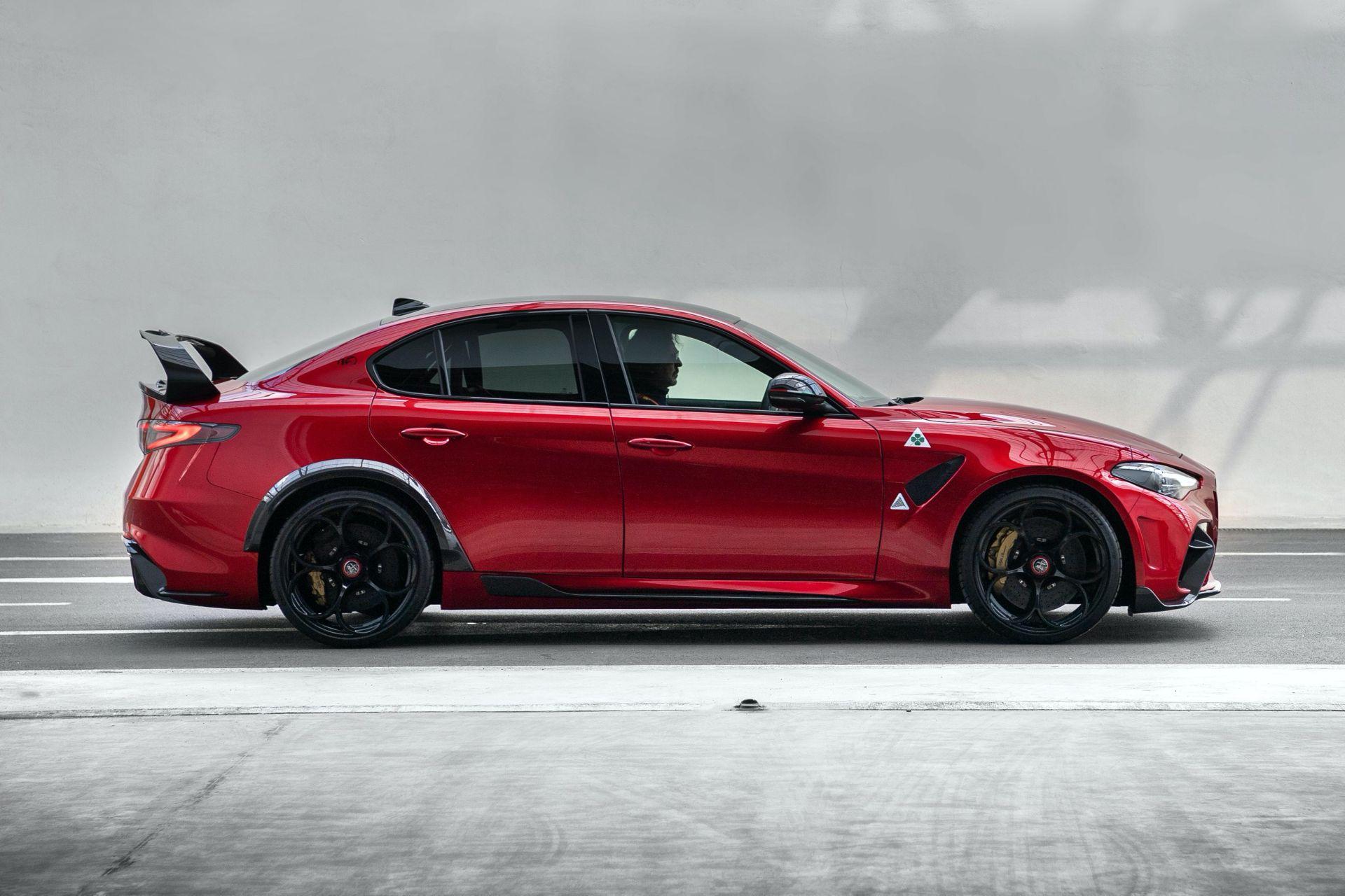 Alfa-Romeo-Giulia-GTA-GTAm-2-1
